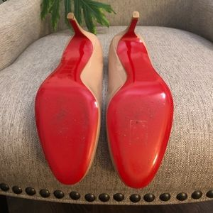 100% Authentic Christian Louboutin 70 Simple